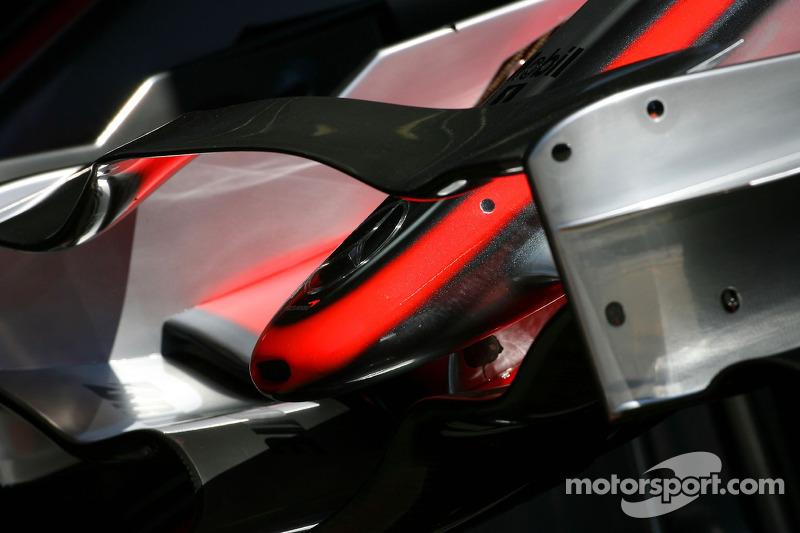 Переднє антикрило McLaren Mercedes, MP4-22