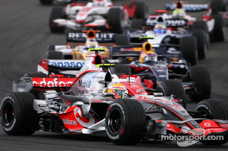 Lewis Hamilton, McLaren Mercedes en la arrancada