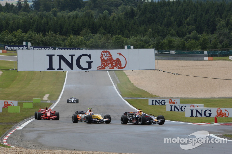 Девід Култхард, Red Bull Racing, Джанкарло Фізікелла, Renault F1 Team, Кімі Райкконен, Scuderia Ferr