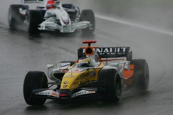 Giancarlo Fisichella, Renault F1 Team, R27 and Robert Kubica, BMW Sauber F1 Team, F1.07