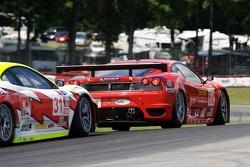 #62 Risi Competizione Ferrari 430 GT: Mika Salo, Jaime Melo, #31 Petersen White Lightning Ferrari 43
