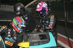 Pitstop for #1 Vitaphone Racing Team Maserati MC 12 GT1: Eric van de Poele, Michael Bartels, Thomas Biagi, Pedro Lamy