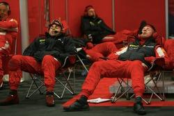 Scuderia Ecosse team members relax between two pitstops