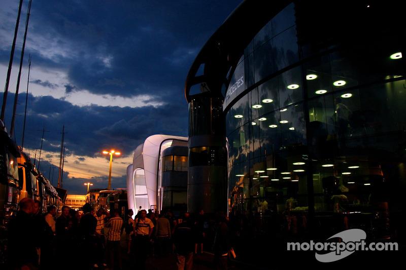 Моторхоум McLaren Mercedes