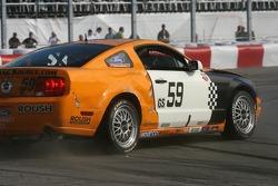 #59 Rehagen Racing Mustang GT: Jack Roush, Dean Martin and #39 TRG Porsche 997: Duncan Ende, Grant Maiman crash