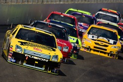 Greg Biffle leads a pack