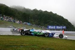 Jenson Button, Honda Racing F1 Team, Nick Heidfeld, BMW Sauber F1 Team