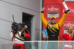 Luke Youlden takes out round 6 of the Fujitsu V8 Supercars