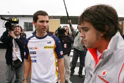 Fernando Alonso, McLaren Mercedes, Remi Taffin, Race Engineer
