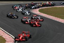 Start: Felipe Massa, Scuderia Ferrari, F2007, Kimi Raikkonen, Scuderia Ferrari, F2007 and Lewis Hamilton, McLaren Mercedes, MP4-22, Fernando Alonso, McLaren Mercedes, MP4-22