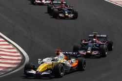 Giancarlo Fisichella, Renault F1 Team, Sebastian Vettel