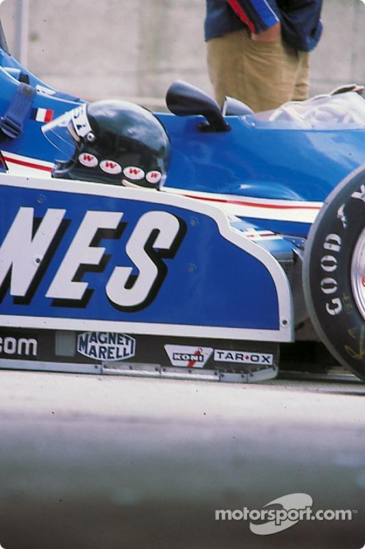 Jacques Laffite Ligier y su casco