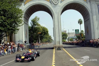 Red Bull F1 Showcar en México