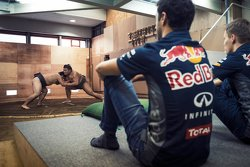 Daniel Ricciardo, Red Bull Racing; Daniil Kvyat, Red Bull Racing