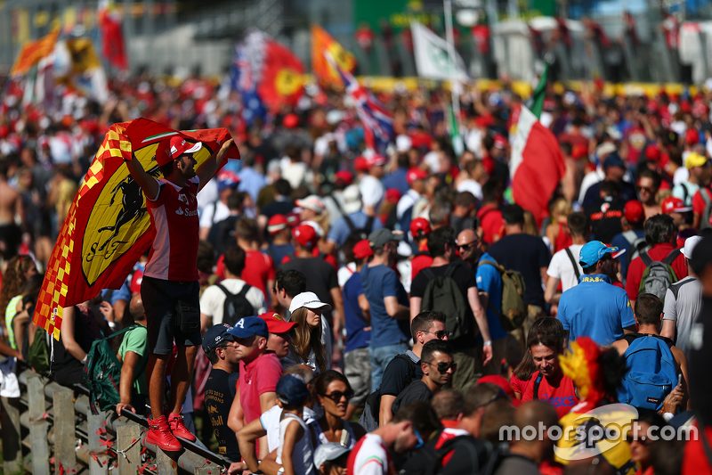 Fans invade the circuit