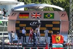 Podio: vincitore Lewis Hamilton, Mercedes AMG F1 Team, secondo Sebastian Vettel, Ferrari, terzo Felipe Massa, Williams