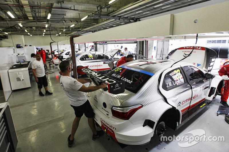 Garage Atmosphere Citroen Total Wtcc At Shanghai