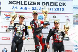 Podio: Ganador de la Carrera Xavier Forés, el segundo lugar Markus Reiterberger y tercer lugar Lorenzo Lanzi