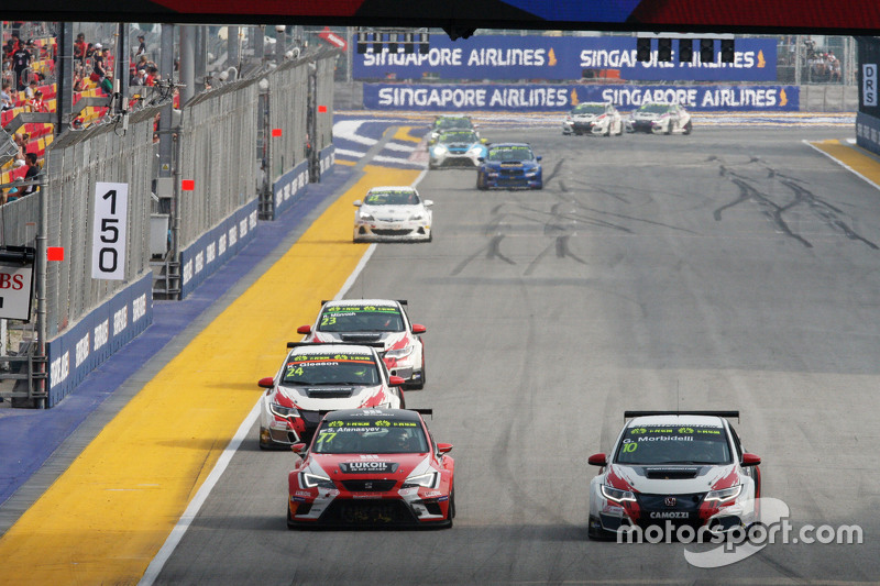 Sergey Afanasyev, SEAT Leon, Team Craft-Bamboo LUKOIL; Gianni Morbidelli, Honda Civic TCR, West Coast Racing