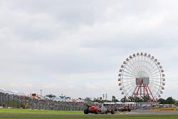 Max Verstappen, Scuderia Toro Rosso STR10 lidera a su compañero de equipo Carlos Sainz Jr., Scuderia