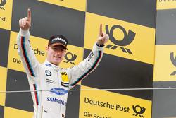 Подиум: победитель гонки Максим Мартен, BMW Team RMG BMW M4 DTM