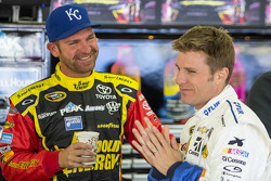 Clint Bowyer, Michael Waltrip Racing Toyota anad Jamie McMurray, Chip Ganassi Racing Chevrolet