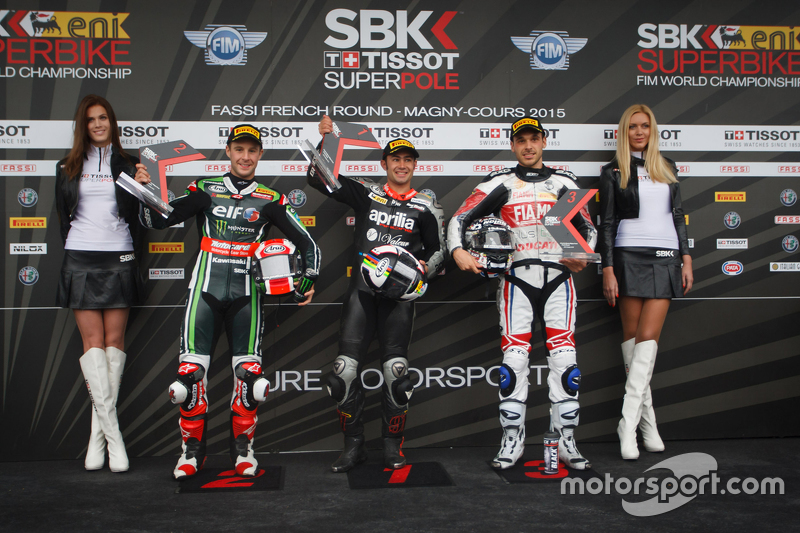 Superpole: 2. Jonathan Rea, Kawasaki Racing Team; 1. Leon Haslam, Aprilia Racing Team; 3. Niccolò Ca