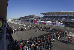 Vista general de la inauguración del Autódromo Hermanos Rodriguez