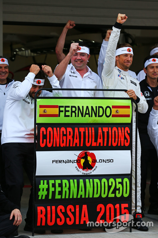 (L to R): Fernando Alonso, McLaren celebrates his 250th GP with Eric Boullier, McLaren Racing Direct