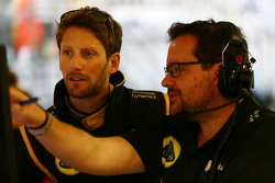 Romain Grosjean, Lotus F1 Team avec Julien Simon-Chautemps, ingénieur de course Lotus F1 Team