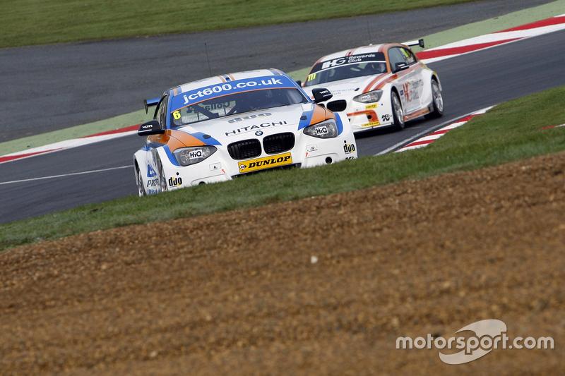 Rob Collard, Team JCT600 with GardX BMW 125i MSport #111 Andy Priaulx, Team IHG Rewards Club BMW 125i MSport