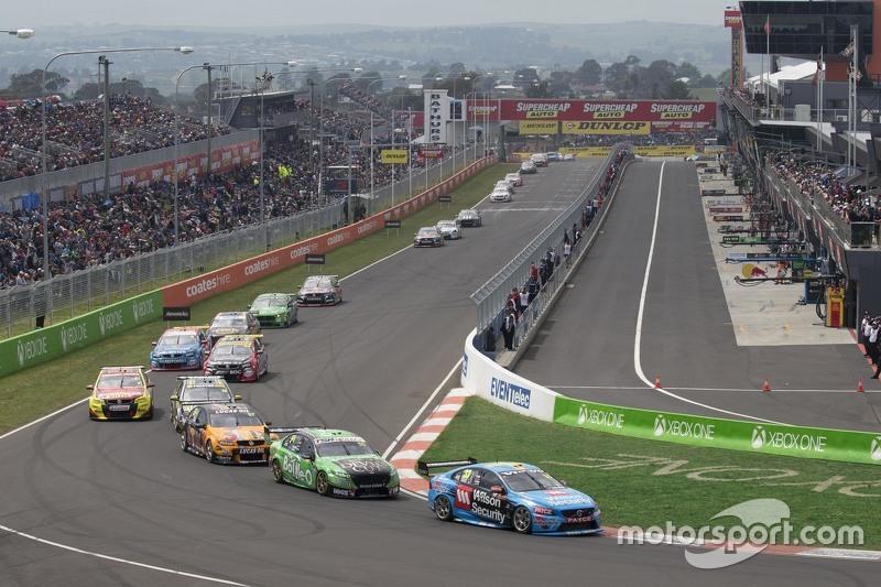Scott McLaughlin and Alexandre Prémat, Garry Rogers Motorsport Volvo leads