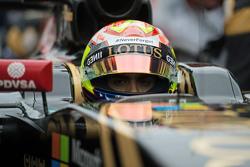 Pastor Maldonado, Lotus F1 E23, sur la grille