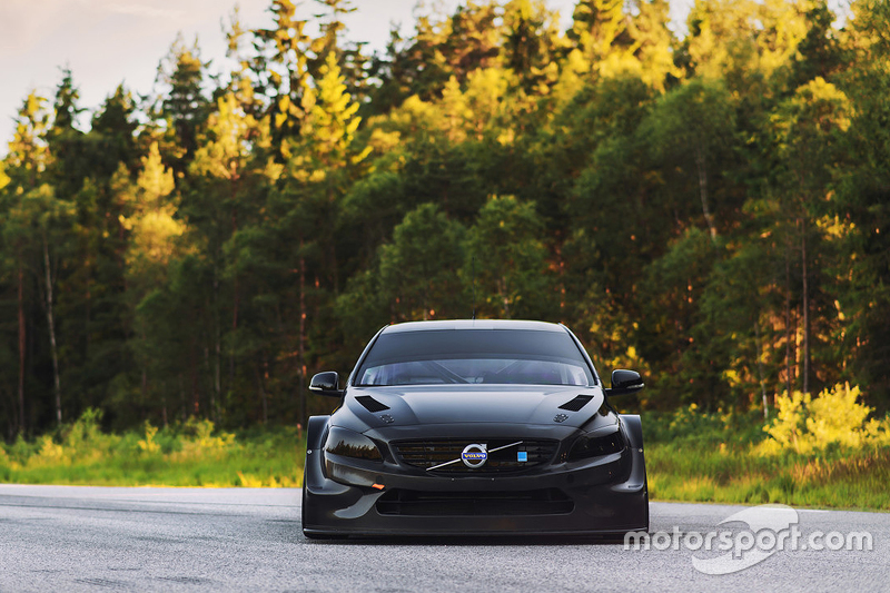 Polestar Racing unveils the new Volvo S60 TC2