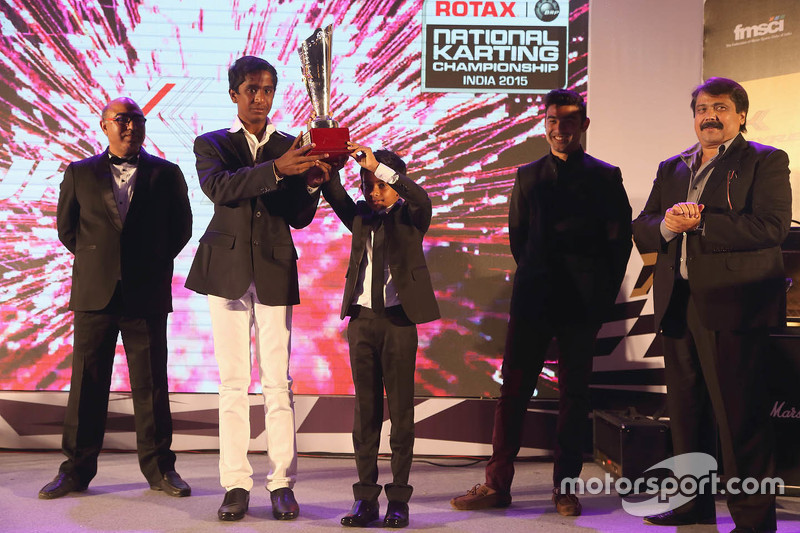 Nirmal Umashankar та Ruhaan Alva get the Akbar Ebrahim trophy для most improved driver year