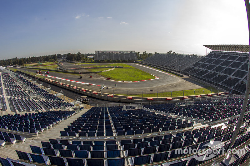 Autodromo hermanos rodr guez panoramica a aut dromo for Puerta 2 autodromo hermanos rodriguez