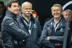 Тото Вольф, Mercedes AMG F1 и Дитрих Цетше, генеральный директор Mercedes