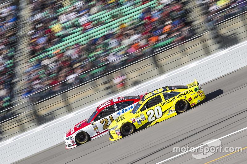 Ryan Blaney, Woods Brothers Racing Ford and Matt Kenseth, Joe Gibbs Racing Toyota