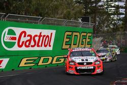 Джеймс Кортні та Jack Perkins, Holden Racing Team
