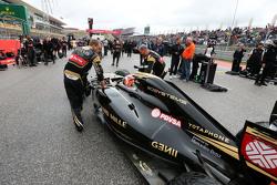Ромен Грожан, Lotus F1 E23 на стартовой решетке