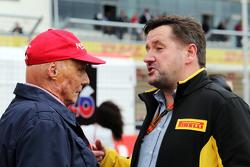 Niki Lauda, Mercedes Non-Executive Chairman met Paul Hembery, Pirelli Motorsport Director