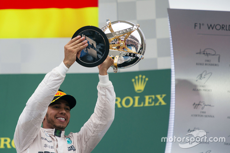 Podium: Race winner and World Champion Lewis Hamilton, Mercedes AMG F1 Team