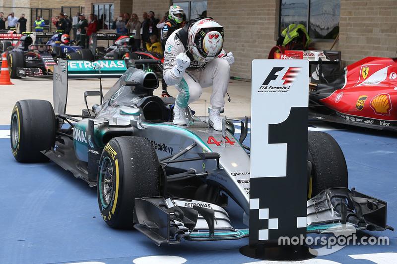 Ganador de la Carrera y Campeón del Mundo Lewis Hamilton, Mercedes AMG F1 W06
