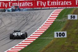 Lewis Hamilton, Mercedes AMG F1 W06 locks up under braking leading team mate Nico Rosberg, Mercedes AMG F1 W06