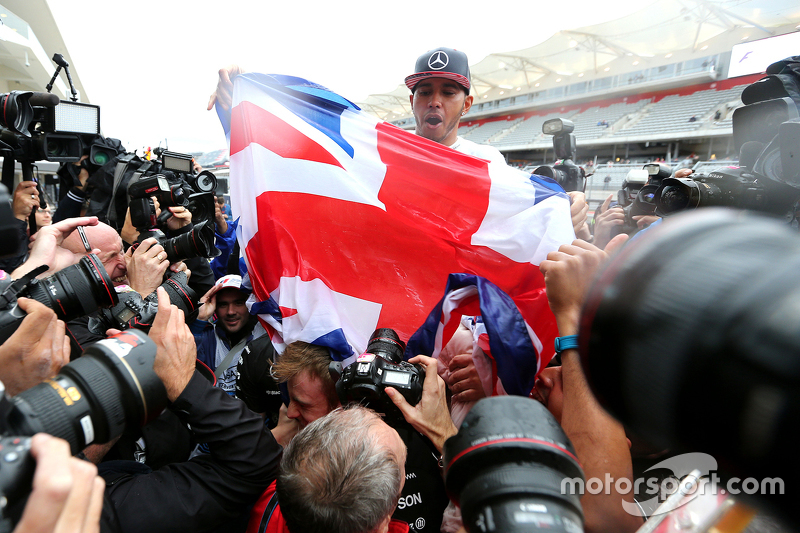 Lewis Hamilton, Mercedes AMG F1 Team celebra su tercer título mundial.
