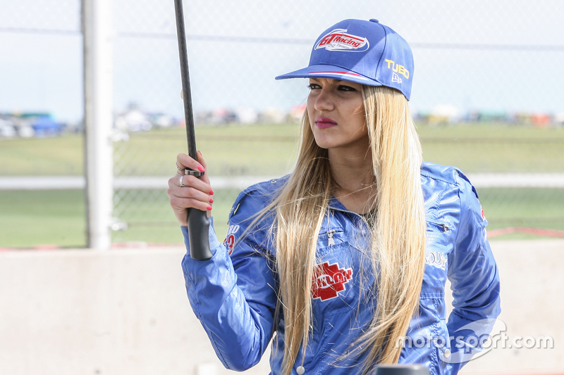 Paddock Girls Argentina GT Racing