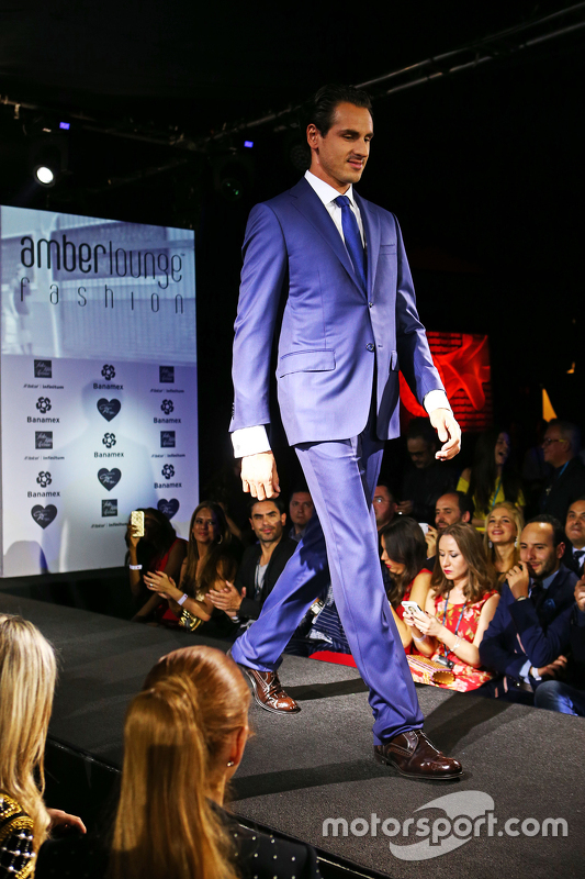 Adrian Sutil, Williams Reserverijder op de Amber Lounge Fashion Show