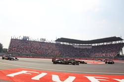 Romain Grosjean, Lotus F1 E23 and Pastor Maldonado, Lotus F1 E23