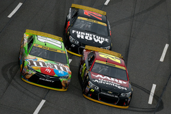 Jeff Gordon, Hendrick Motorsports Chevrolet and Kyle Busch, Joe Gibbs Racing Toyota and Martin Truex Jr., Furniture Row Racing Chevrolet