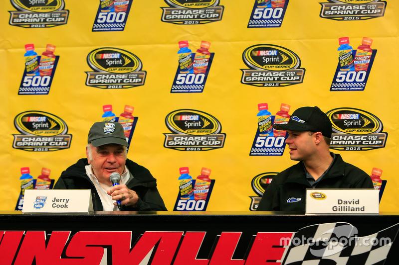 Зал Слави NASCAR: Джеррі Кук та Девід Гілланд , Front Row Motorsports Ford